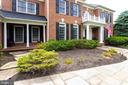 Beautiful curb appeal with brick on 4 sides. - 2796 MARSHALL LAKE DR, OAKTON