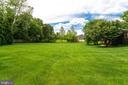 Level rear yard. - 2796 MARSHALL LAKE DR, OAKTON