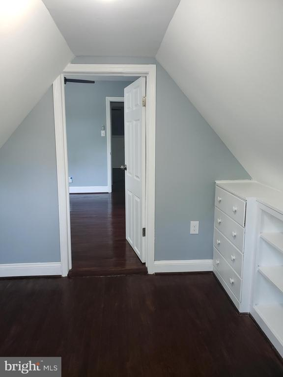 Upstair bedroom Closet - 1601 WOODHILL CT, LANDOVER