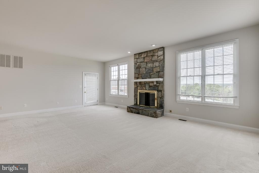 Family Room - 19755 WILLOWDALE PL, ASHBURN