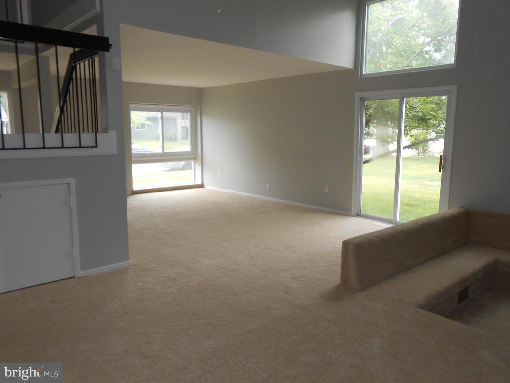Expansive Living Room - 7702 BRANDON WAY, MANASSAS