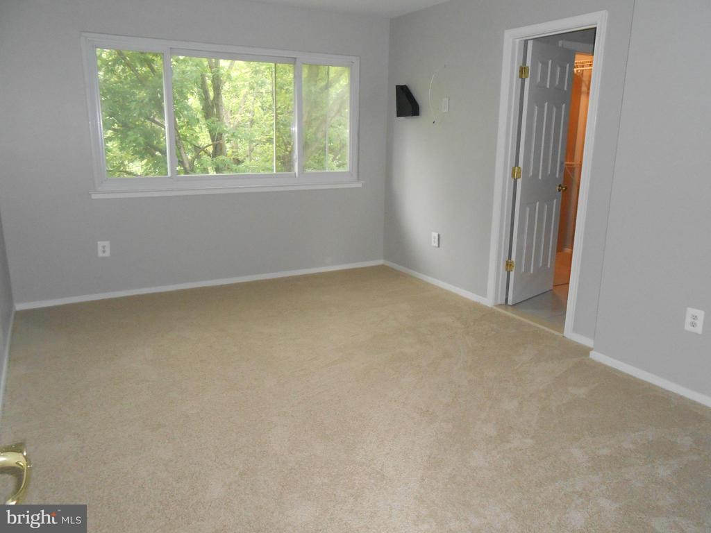 Master Bedroom - Walk-in Closet off Bath - 7702 BRANDON WAY, MANASSAS