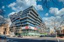 Contemporary cantilevered architectural design - 1111 24TH ST NW #42, WASHINGTON