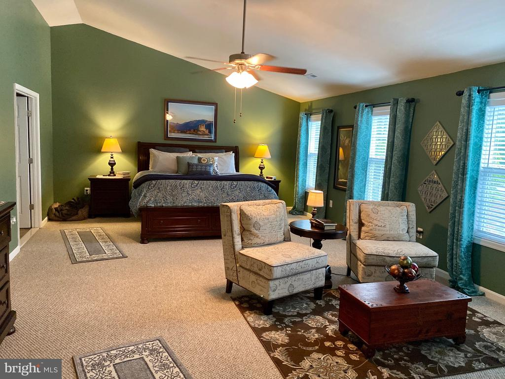 Fabulous Master Bedroom ready for you - 3545 GROUSE POINTE DR, STAFFORD
