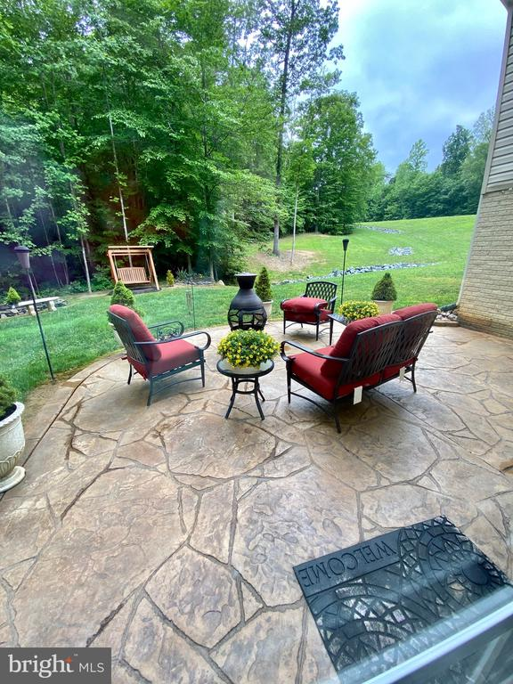 Relax  on the patio after a long day - 3545 GROUSE POINTE DR, STAFFORD