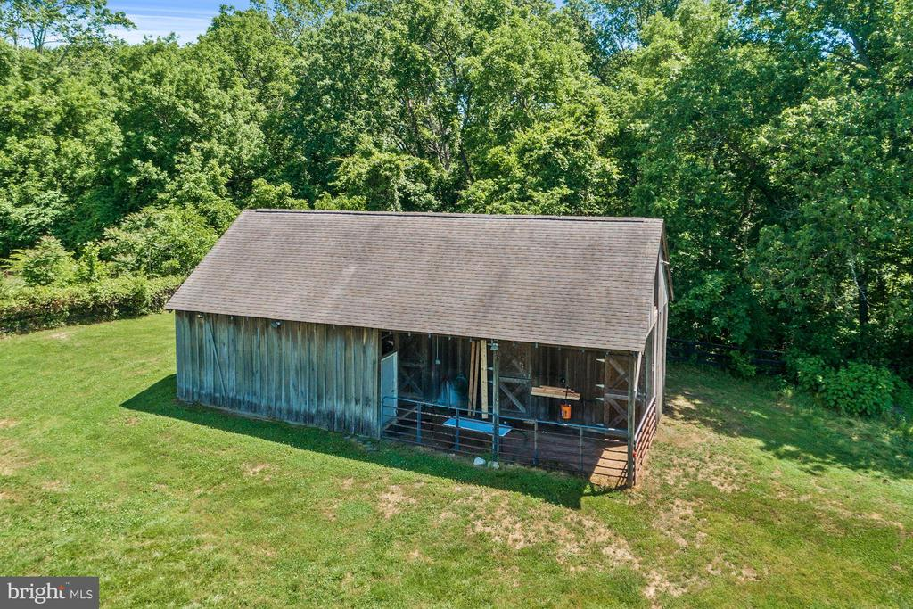 Barn - 20634 ST LOUIS RD, PURCELLVILLE