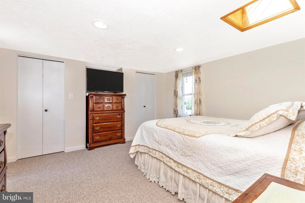 Lay in Bed Under the Stars from the Skylight! - 7807 ROCKY RIDGE RD, THURMONT