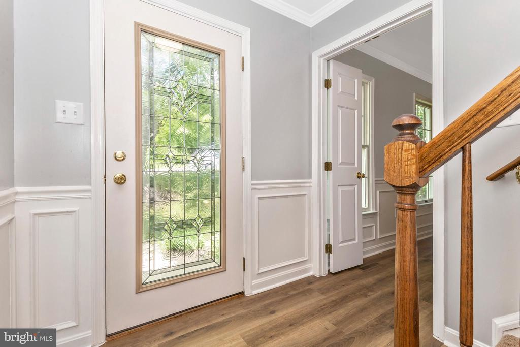 Entry Foyer With A Coat Closet - 105 REDHAVEN CT, THURMONT