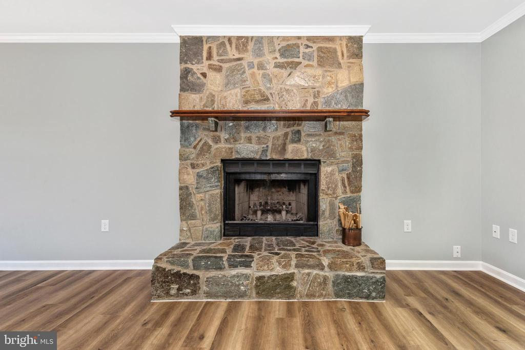 Beautiful Floor To Ceiling Stone Fireplace - 105 REDHAVEN CT, THURMONT
