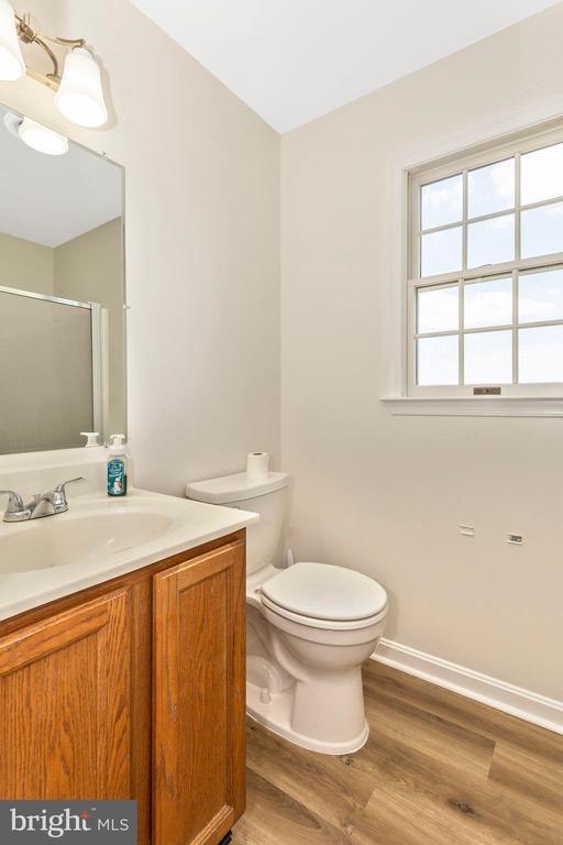 Bathroom - 105 REDHAVEN CT, THURMONT