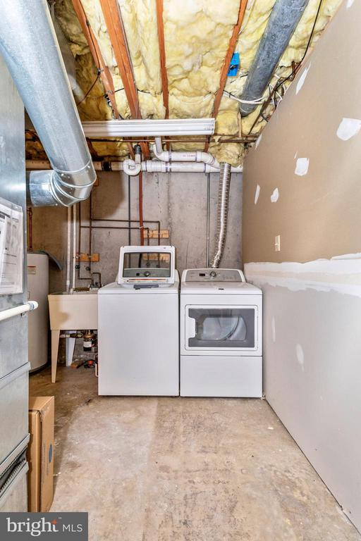 Washer And Dryer In The Laundry Area - 105 REDHAVEN CT, THURMONT