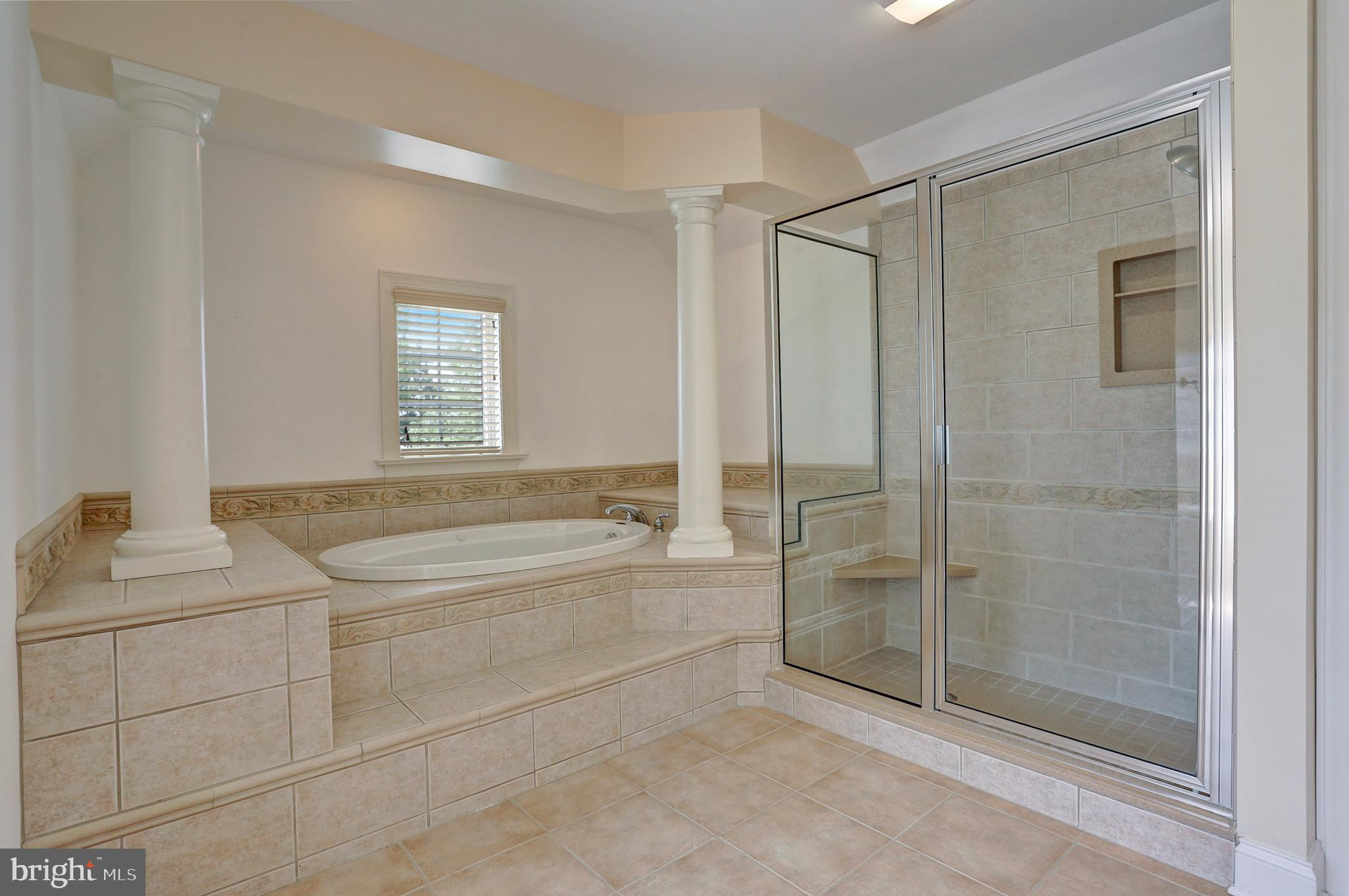 Soaking Tub & Walk-In Shower