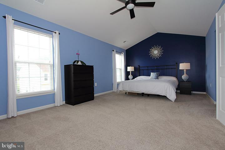 Large master bedroom - 17352 TEDLER CIR, ROUND HILL