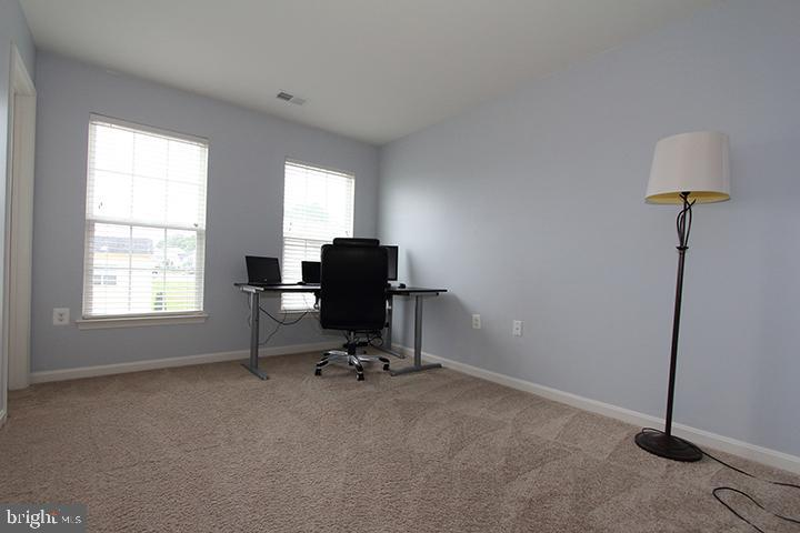 Large  bedroom #2 - 17352 TEDLER CIR, ROUND HILL