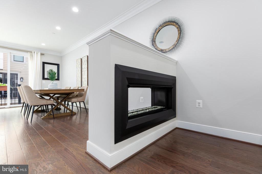 Custom gas two-way fireplace - 1526 16TH CT N, ARLINGTON