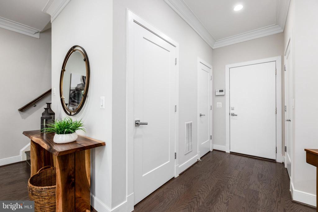 Entry from two-car garage - 1526 16TH CT N, ARLINGTON