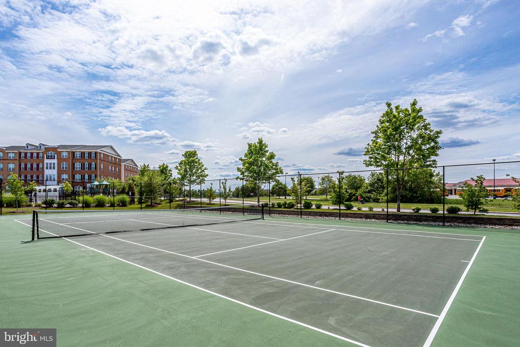 Community Tennis Courts - 23297 SOUTHDOWN MANOR TER #116, ASHBURN