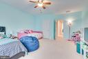 - 300 OLD CAVE RD, CHARLES TOWN