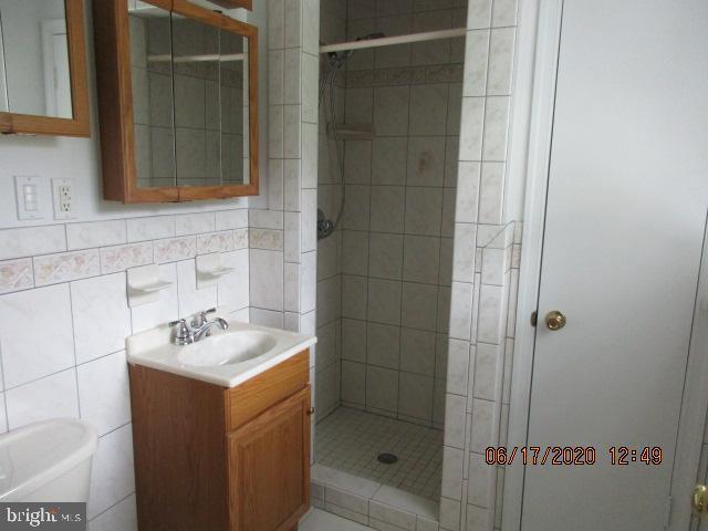Master Bath - 8416 WASHINGTON AVE, ALEXANDRIA