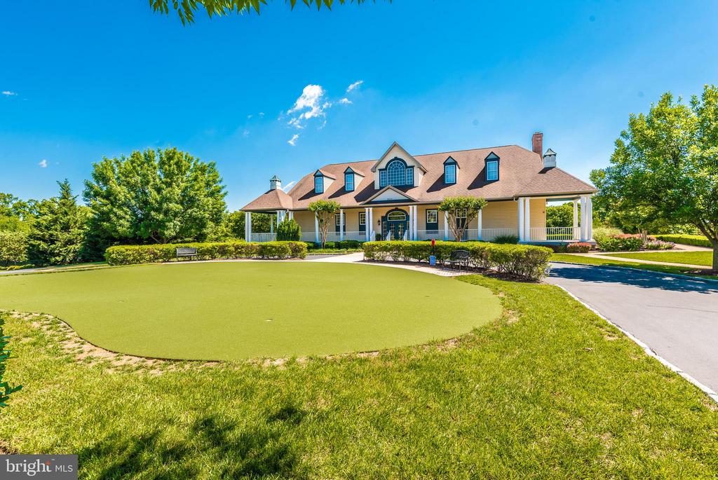 Club house and putting green. - 2689 MONOCACY FORD RD, FREDERICK