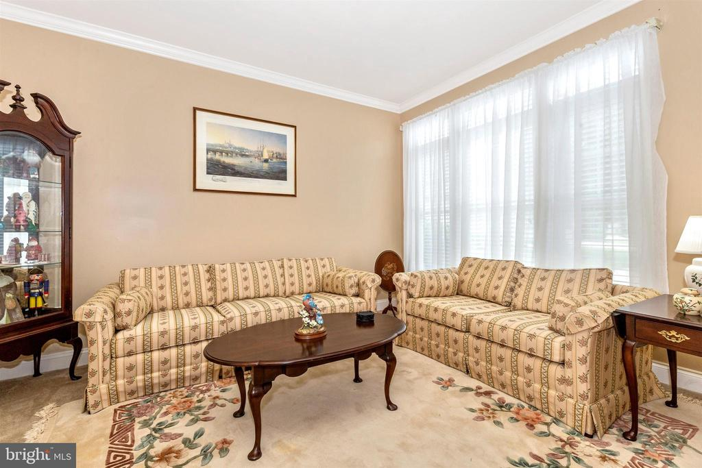 Formal living room - possible office space. - 2689 MONOCACY FORD RD, FREDERICK
