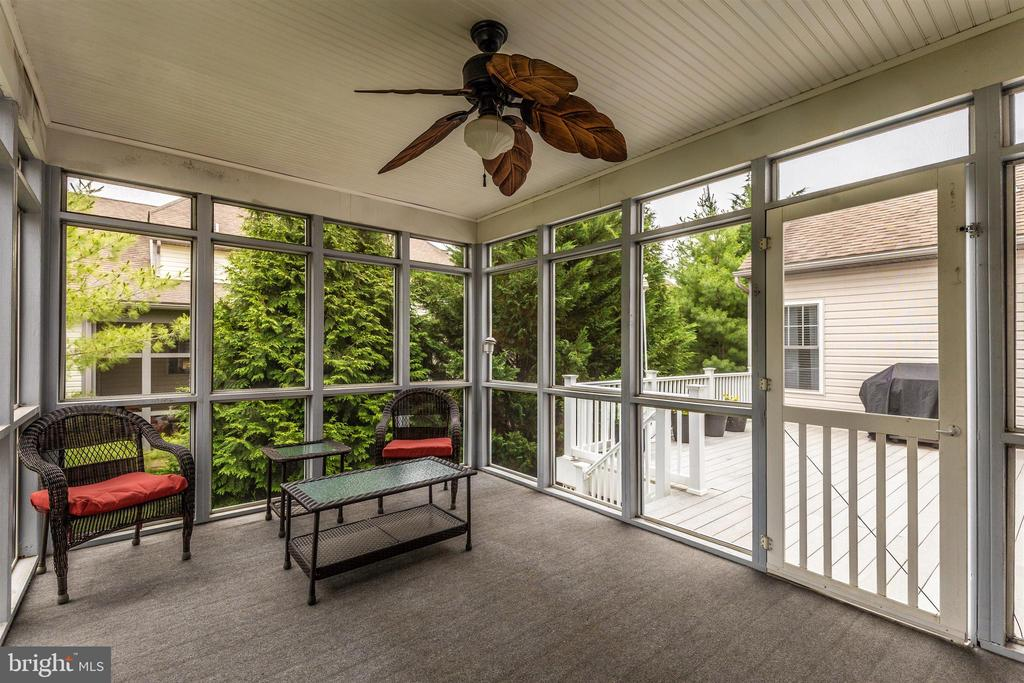 Screen porch leads to rear deck. - 2689 MONOCACY FORD RD, FREDERICK