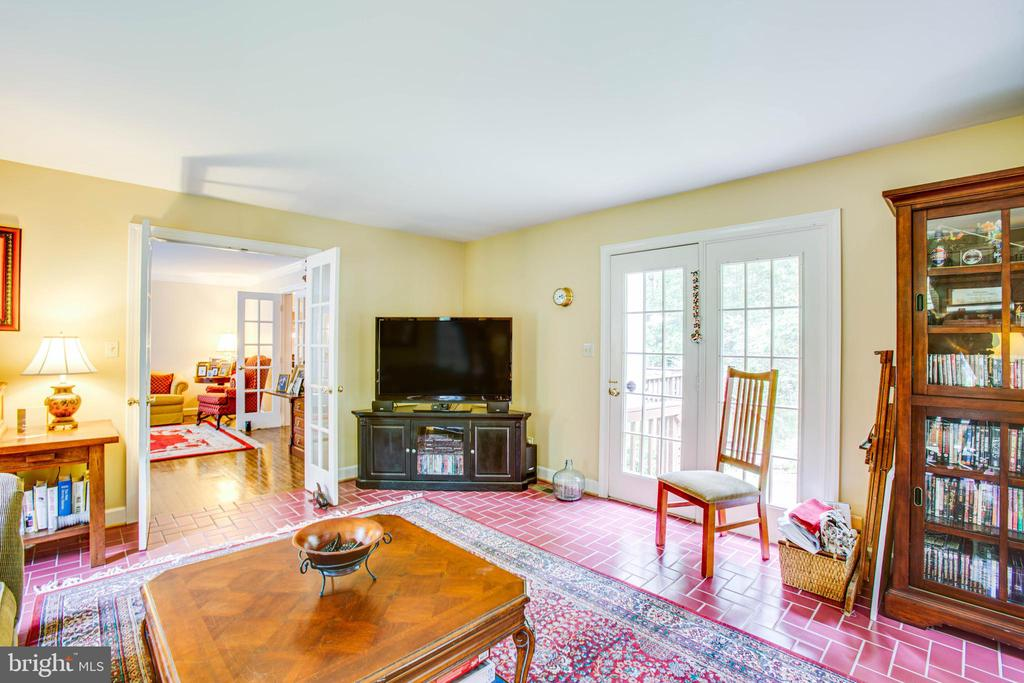 office or tv room - 8105 WATERFORD DR, SPOTSYLVANIA