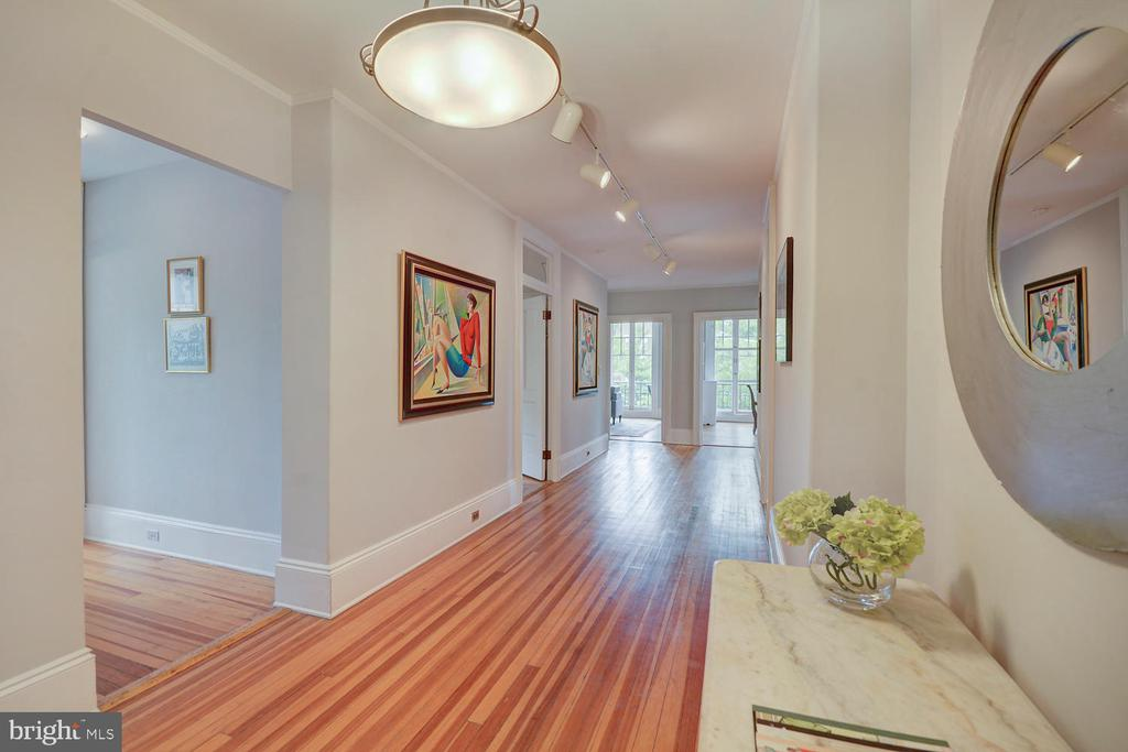 Perfectly proportioned spaces - 2853 ONTARIO RD NW #205, WASHINGTON
