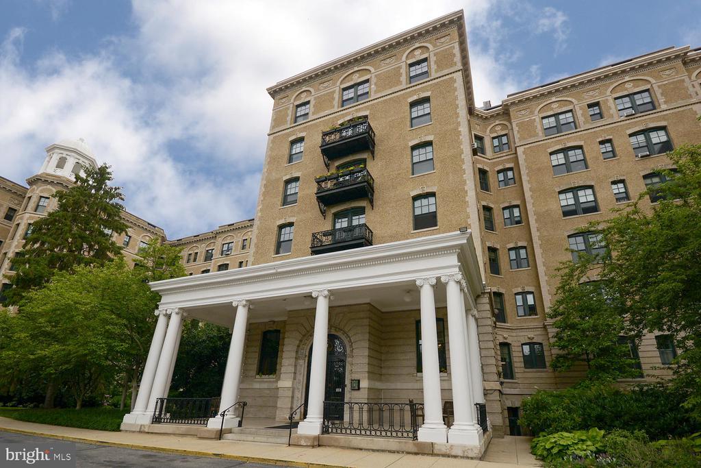TOWERING Beaux Arts Facade - 2853 ONTARIO RD NW #205, WASHINGTON
