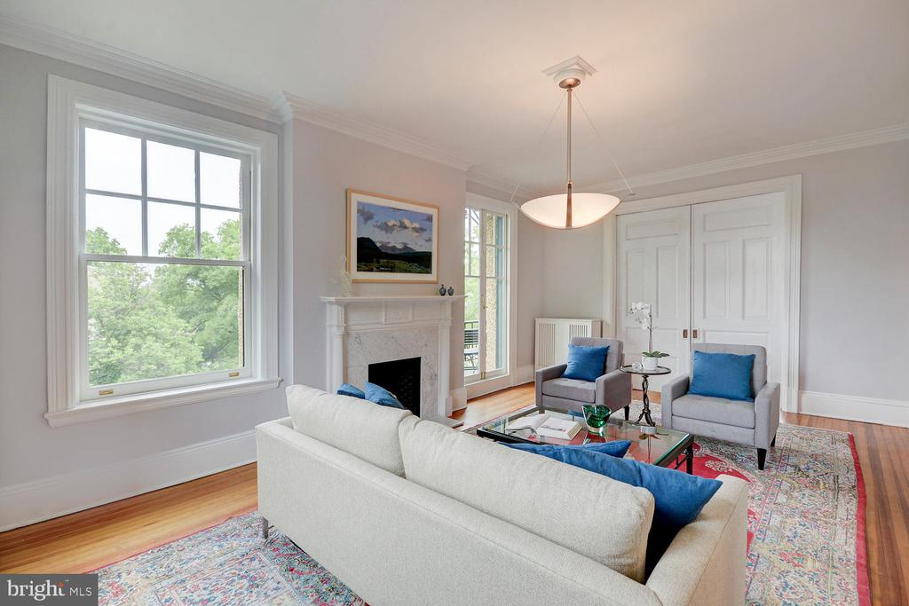 Chestnut pocket doors separate parlor and dining - 2853 ONTARIO RD NW #205, WASHINGTON