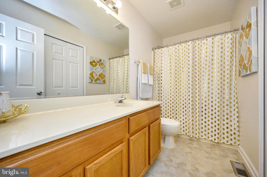 Extra Full Bath - 10109 HERIOT ROW CT, FREDERICKSBURG