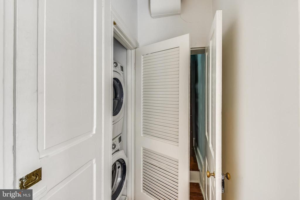 Laundry Area - 206 N ROYAL ST, ALEXANDRIA