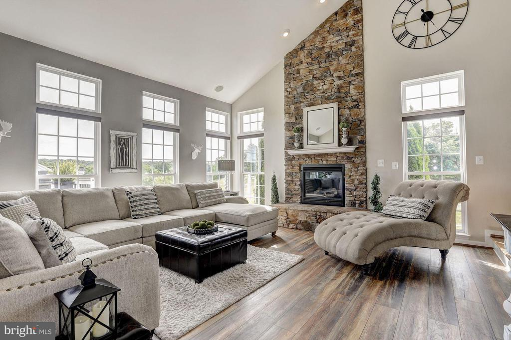 Two Story Family Room - 11000 COUNTRY CLUB RD, NEW MARKET