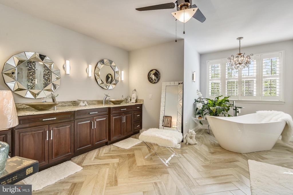 Master Bath (Luxurious) - 18503 PELICANS NEST WAY, LEESBURG