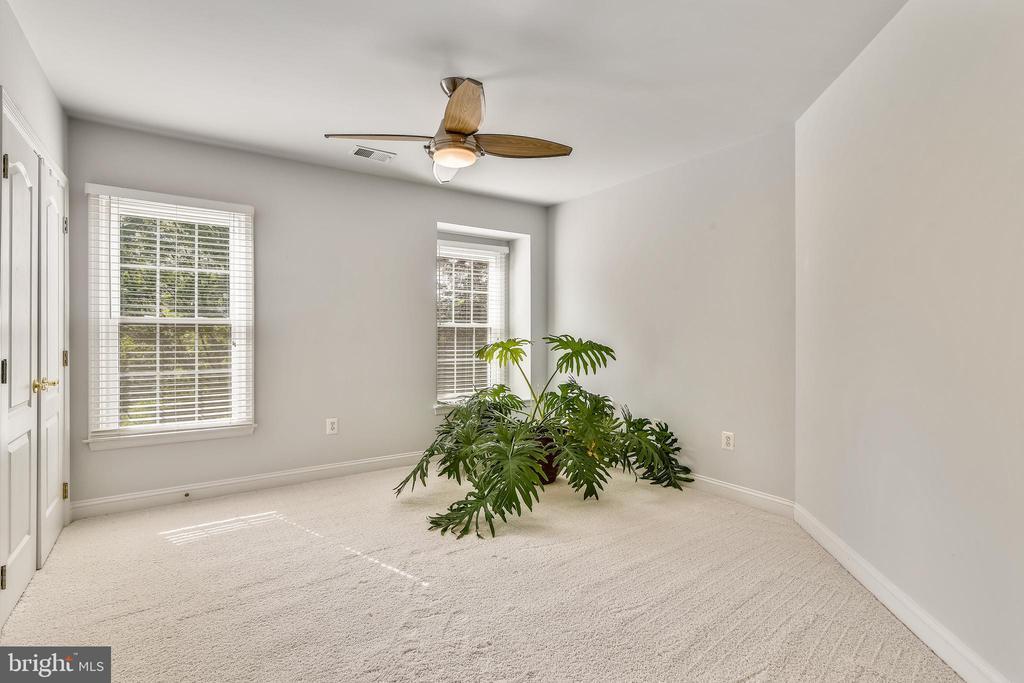 Guest Bedroom en suite - 18503 PELICANS NEST WAY, LEESBURG