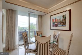 Breakfast Room Opens to Balcony - 5809 NICHOLSON LN #409, NORTH BETHESDA