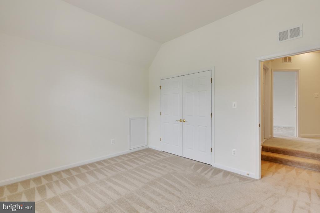 Bedroom 2 - 43597 MERCHANT MILL TER, LEESBURG