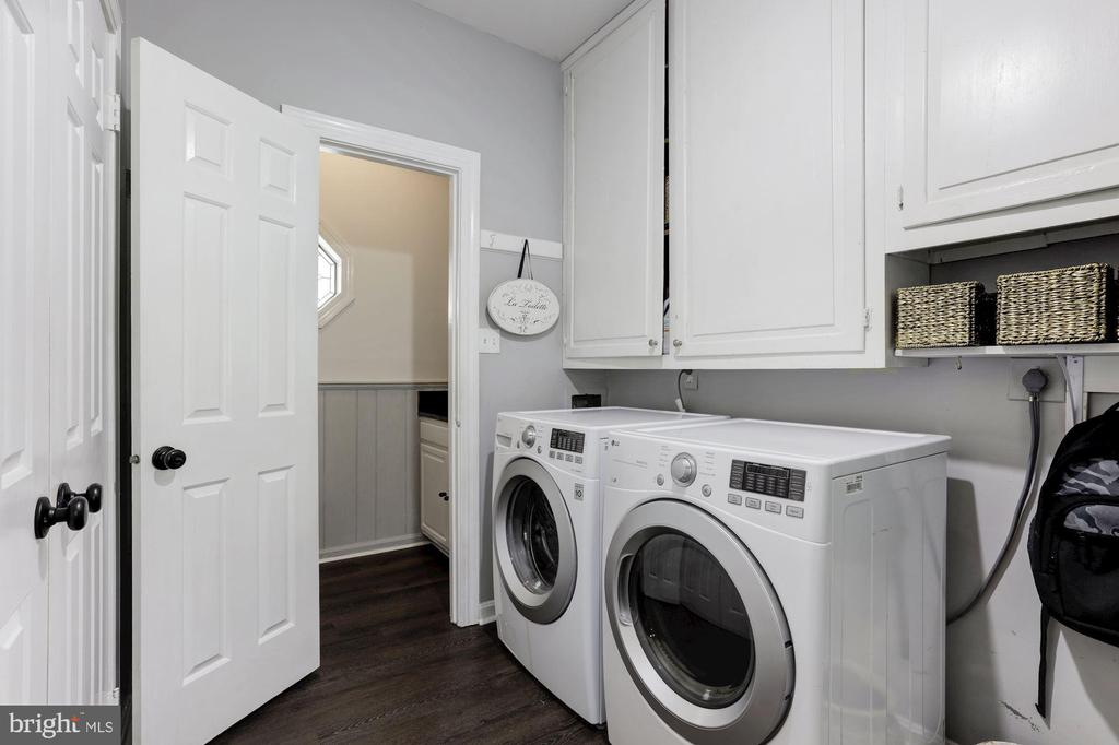 Main floor laundry room - 16832 OLD WATERFORD RD, PAEONIAN SPRINGS