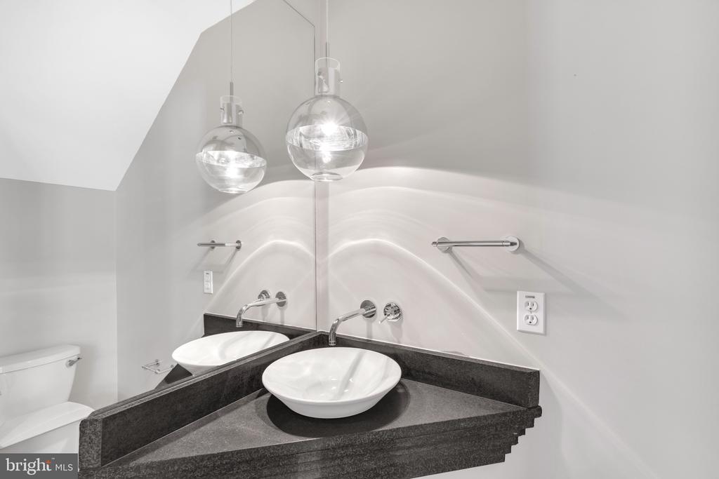 Half Bath First Floor - 717 HOBART PL NW, WASHINGTON