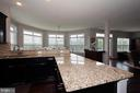 Lots of counter space!!!! - 20999 HONEYCREEPER PL, LEESBURG