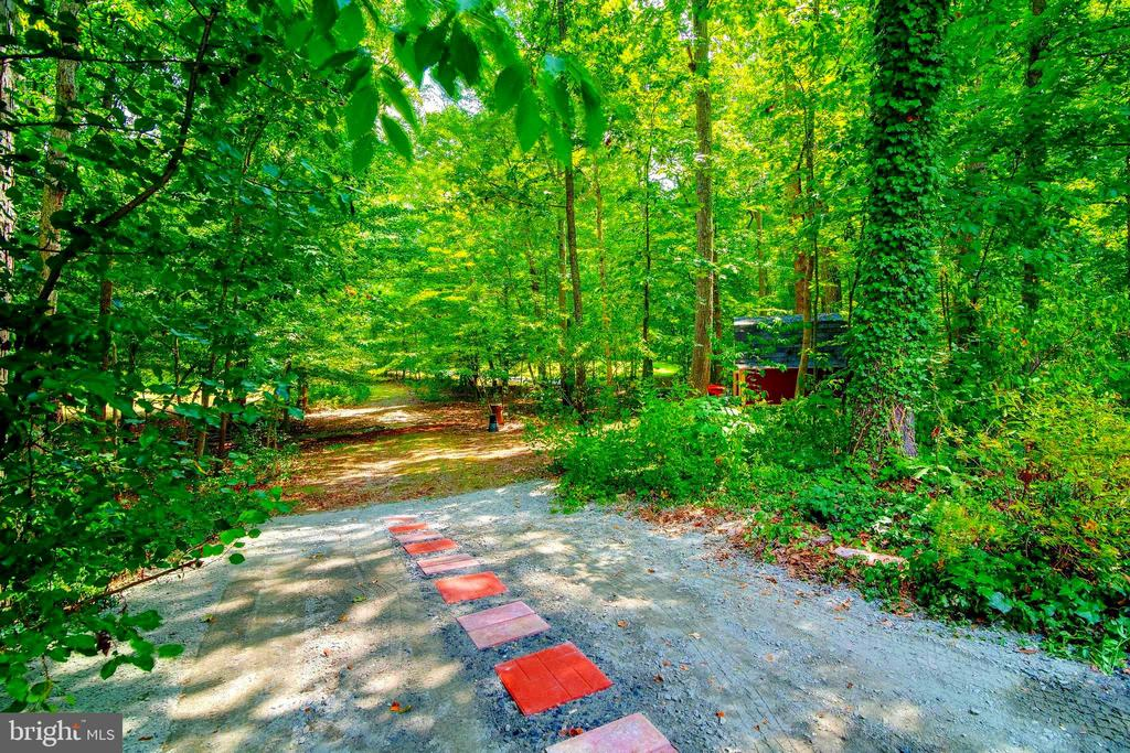 Second Driveway - Garden and Storage Shed in Back! - 12210 GLADE DR, FREDERICKSBURG