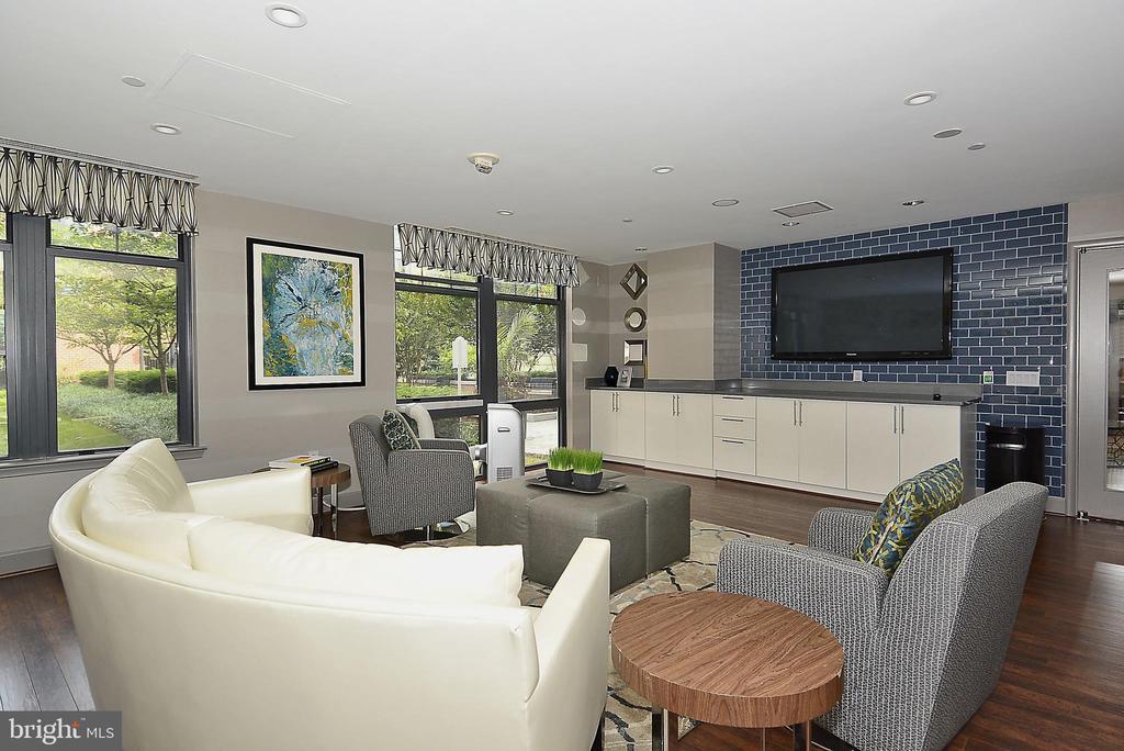 Lounge area - 1021 N GARFIELD ST #1030, ARLINGTON