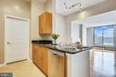 Kitchen with granite counter tops - 1021 N GARFIELD ST #1030, ARLINGTON