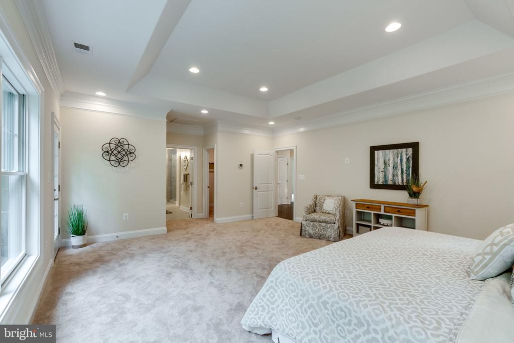 View toward 2 Walk-in Closets & Master Bath - 8506 SHADEWAY PL, SPRINGFIELD