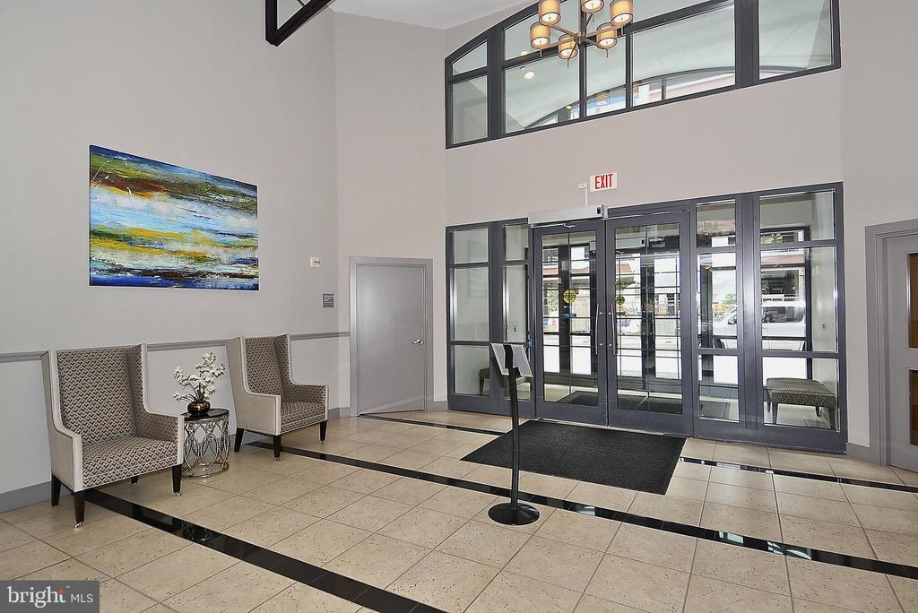 Front lobby - 1021 N GARFIELD ST #1030, ARLINGTON