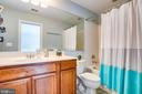 Bedroom 2's full bathroom (en-suite) - 12103 SAWHILL BLVD, SPOTSYLVANIA