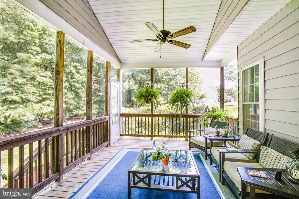 Screened porch off kitchen - 12103 SAWHILL BLVD, SPOTSYLVANIA