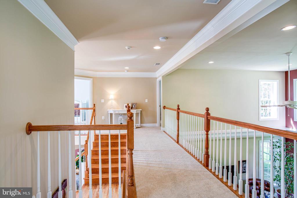 Upstairs hallway/catwalk - 12103 SAWHILL BLVD, SPOTSYLVANIA
