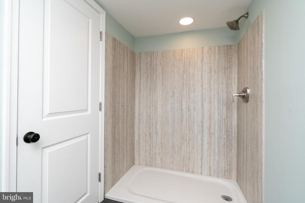 Top Floor Shower - 2829 29TH ST NW, WASHINGTON