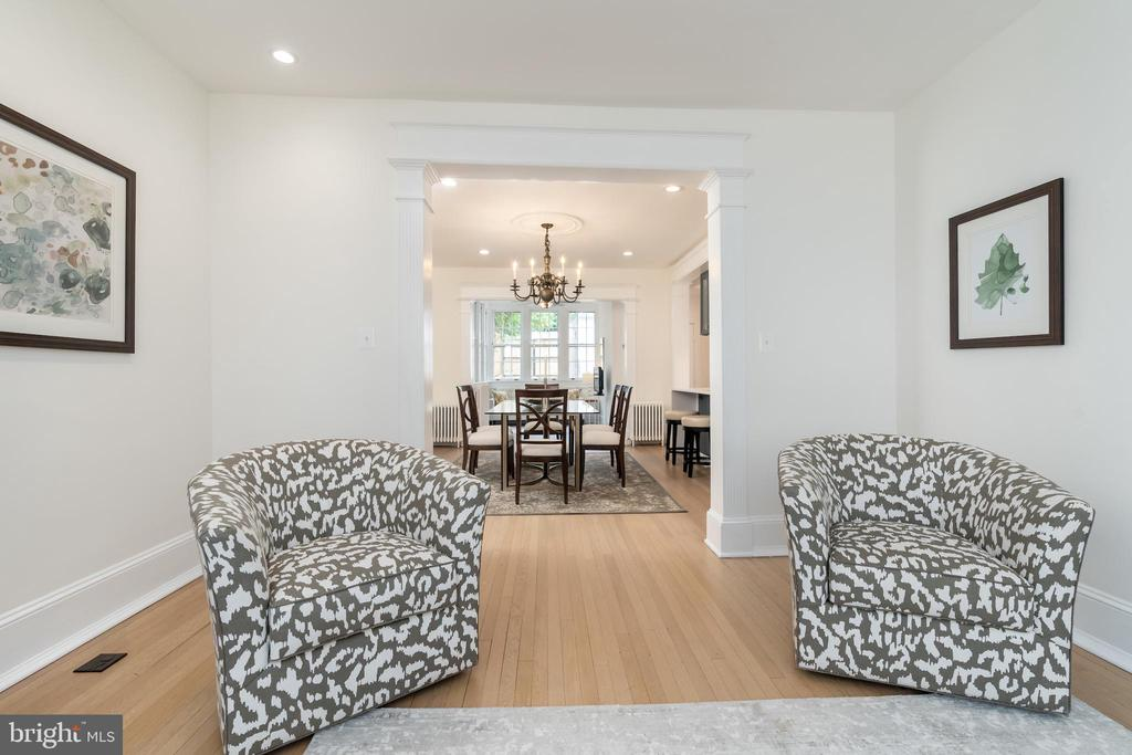 Contiguous Flow to Dining Room - 2829 29TH ST NW, WASHINGTON